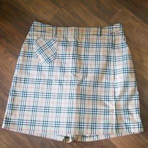 BURBERRY GOLF short skirt.